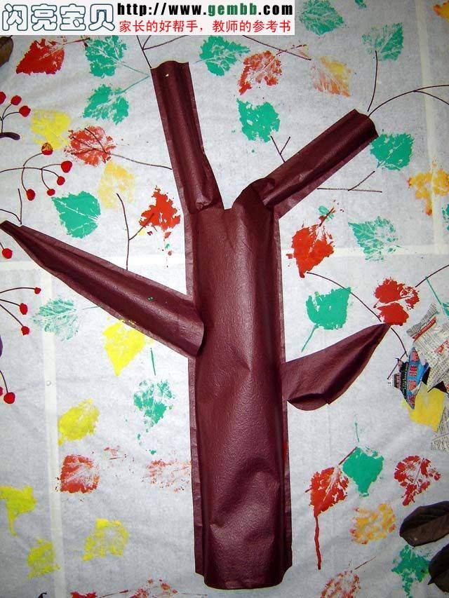 幼儿园布置图片,幼儿园布置参考; 幼儿园环境布置图片 - 树叶印画; 〖