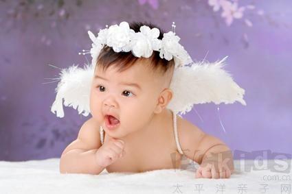 王诗龄-小精灵般清新自然 可爱宝宝图片 宝宝生活照  可爱宝宝百天照图片