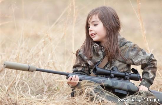 禽兽狙的真人照片_5岁小萝莉步照片萌翻网友-宝宝照片