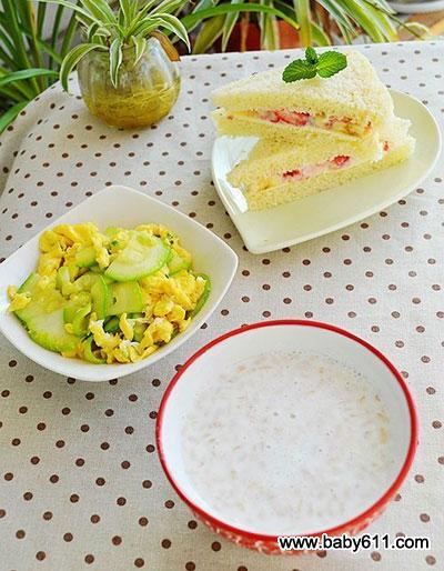 儿童早餐摆盘图片