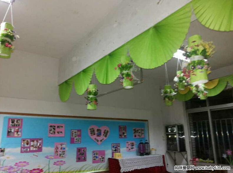 幼儿园绿色风格装饰的教室和墙面