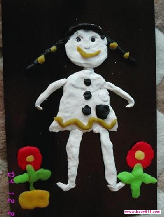 幼儿园橡皮泥手工作品《娃娃》