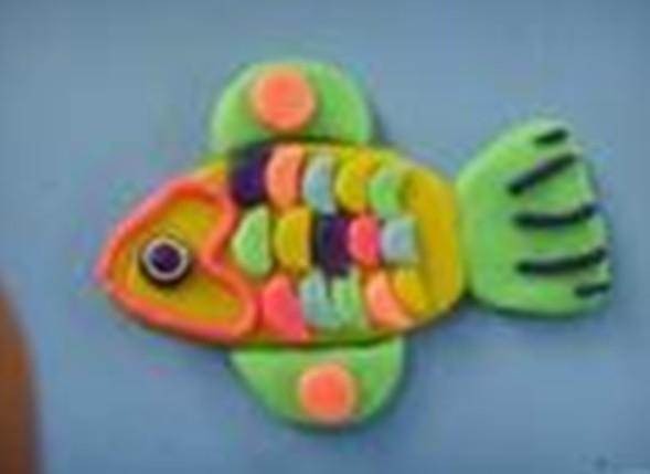儿童橡皮泥手工作品:鱼1