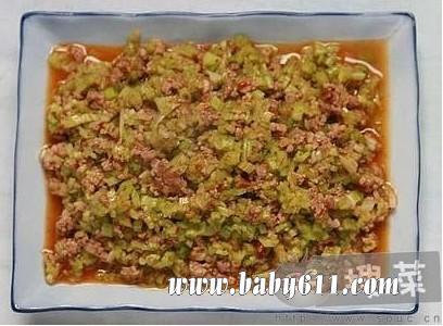 孕妇食谱:牛肉末炒芹菜