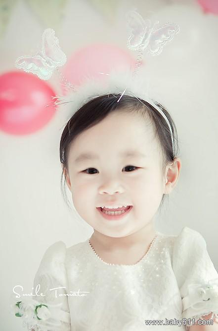 宝宝纯白艺术写真照片(7)
