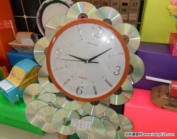 儿童废旧泡沫制作:光盘时钟