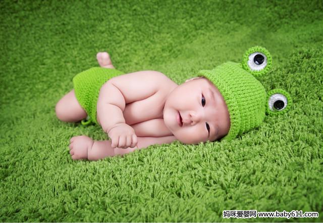 童模安吉丽娜写真照 混血小宝宝 王诗龄-小精灵般清新自然 可爱宝宝图