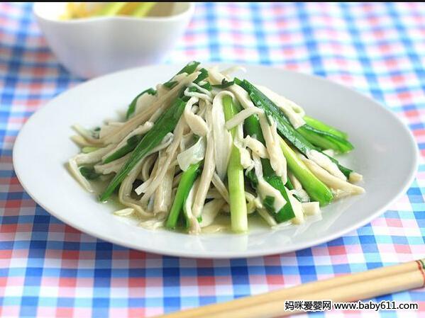哺乳期退奶食谱:杏鲍菇炒韭菜