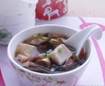 孕期不适食谱:海带豆腐汤