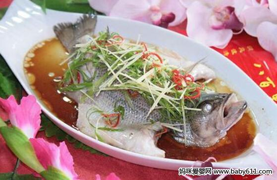 孕妇安胎食谱:清蒸砂仁鲈鱼