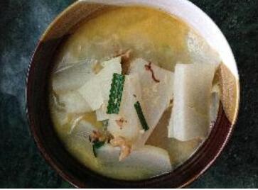 月子食谱大全:虾米炖萝卜