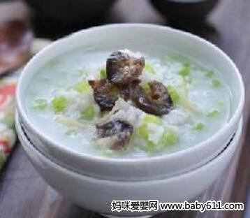婴儿粥谱:海参芹菜粥