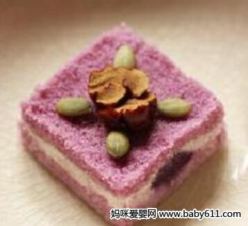 摩卡娱乐在线食谱西式糕点:紫薯松糕