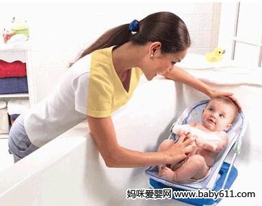 宝宝游泳后,如何进行皮肤护理