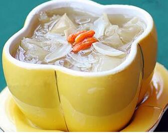 营养食谱:川贝蜂蜜炖雪耳