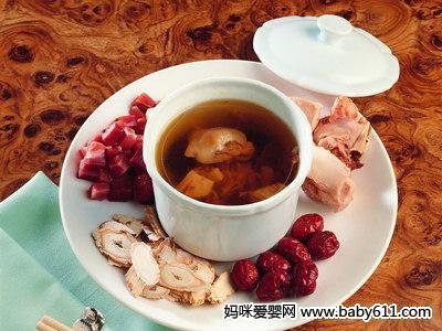 5款美容养颜汤 排毒滋补吃出健康