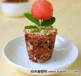 滋补保健类:红豆饭