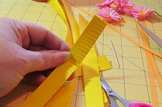 手工制作可爱纸质小雏菊盆栽