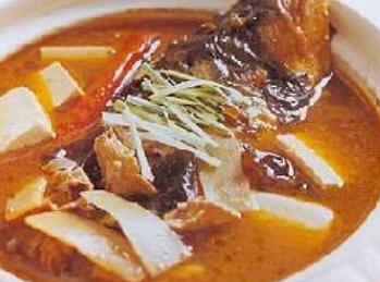 摩卡娱乐在线菜谱豆腐类:鱼头冻豆腐