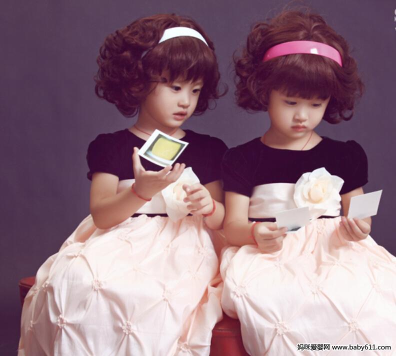双胞胎姐妹 - 宝宝照片
