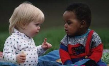 三岁的宝宝渴望一个快乐环境