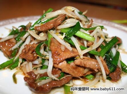 0―1岁宝宝食谱:鱼香马蹄鸭肝片