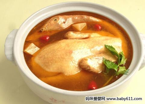 营养餐:虫草柴把鸭
