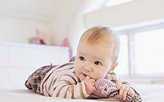 10个月宝宝适合玩什么玩具