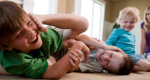 如何引导孩子与同伴交往