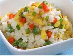 儿童四季食谱:鸡蛋胡萝卜配米饭