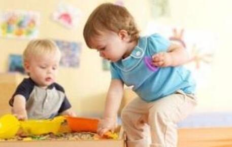 游戏让宝宝发现色彩的奥秘