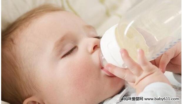 婴儿奶粉喂养宝宝注意事项