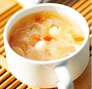 煲汤食谱:莲子百合羹