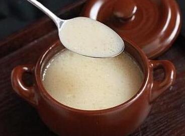 婴儿补钙食谱:奶香牛骨汤