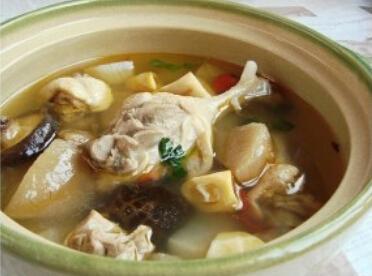 酸萝卜鸭肉汤