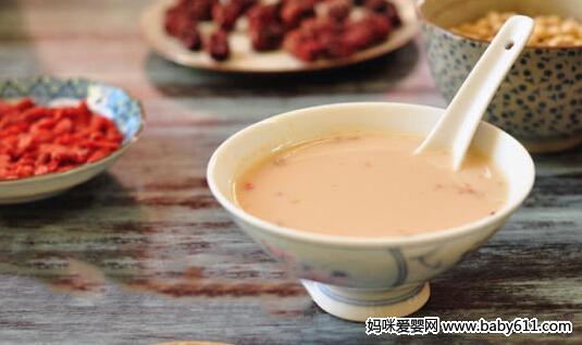 滋补保健类:红枣豆浆