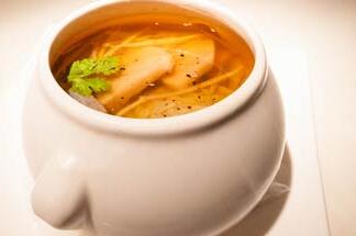 煲汤食谱:苋菜豆腐鱼头汤