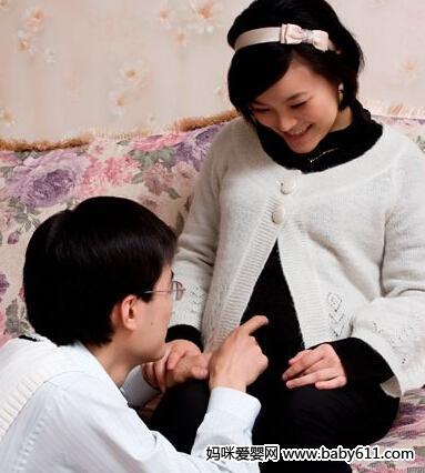 语言胎教可增进亲子交流