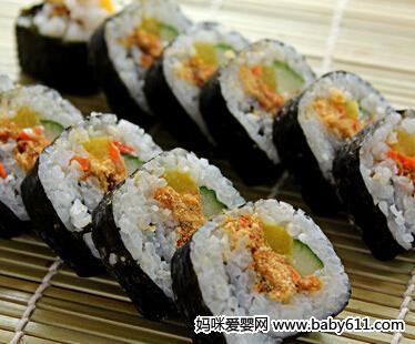 摩卡娱乐在线食谱卷类:紫菜寿司卷