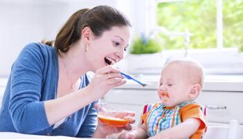 谨记!一岁内宝宝千万别吃这3种水果