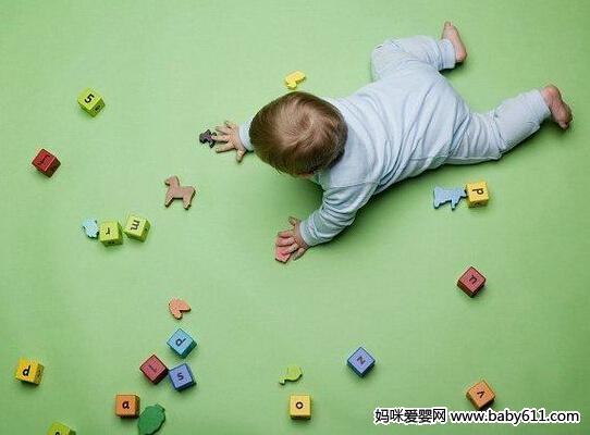 怎样同5—8个月的婴sxda作游戏