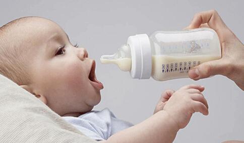 """新爸妈必知 婴儿奶粉选择的""""八大错误"""""""