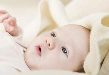 缓解宝宝打嗝需找准原因