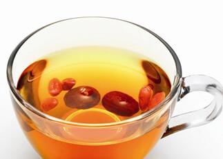 滋补保健类:红枣桂圆茶