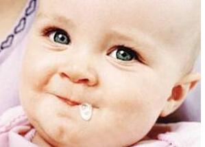 宝宝吐奶怎么办