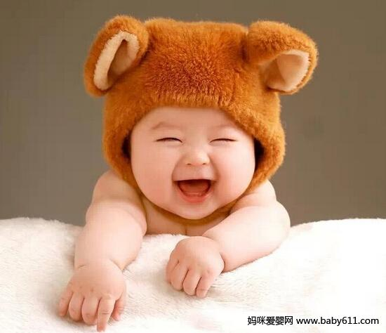 江之岛盾子微笑