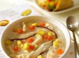 摩卡娱乐在线菜谱鸡类:香菇鸡肉粥