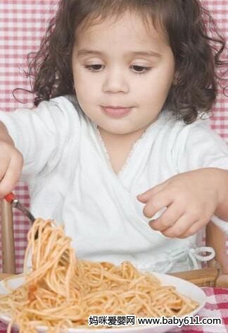 儿童应少吃甜食和咸食