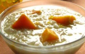滋补保健类: 红薯麦片粥