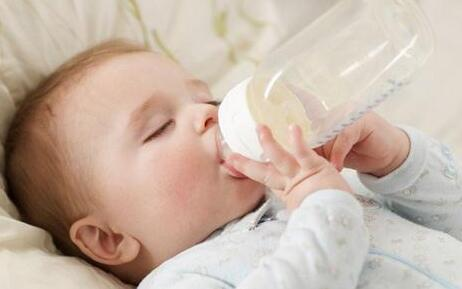 新生儿冲奶粉5步骤